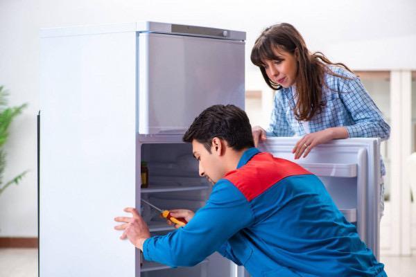 сломался холодильник