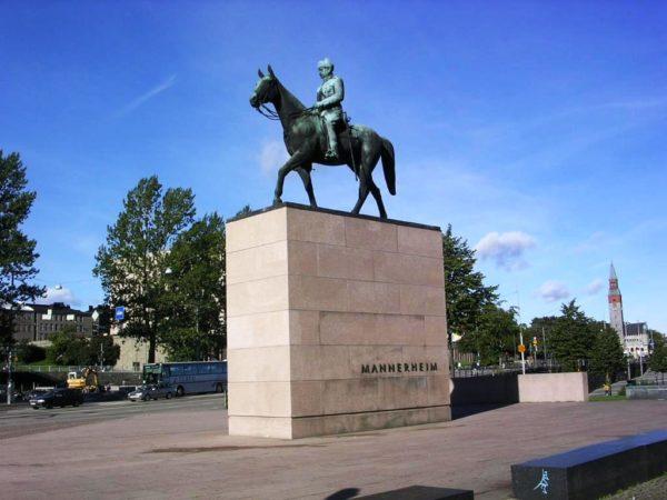 Памятник маршалу Маннергейму