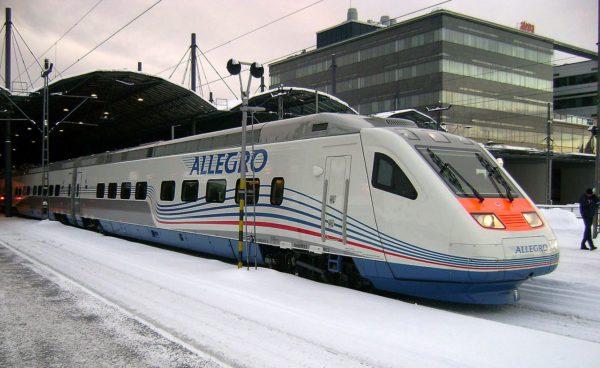 После запуска высокоскоростного поезда под названием «Аллегро», который курсирует между Питером и Хельсинки, добраться до Финляндии стало еще проще