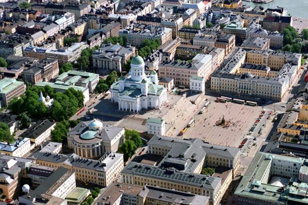 Сенатская площадь в центре Хельсинки