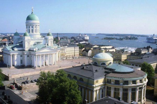 Одним и самых популярных маршрутов является посещение столицы Финляндии, города Хельсинки. Этот маршрут популярен как у нас, так и у зарубежных туристов