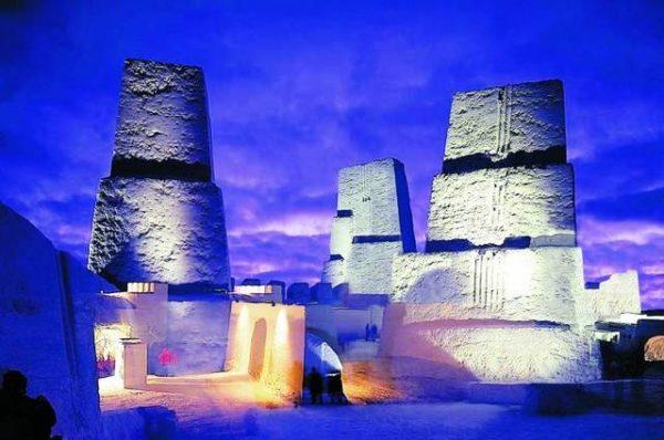 Снежный замок работает, как правило, с января по апрель. Однако все зависит от погодных условий