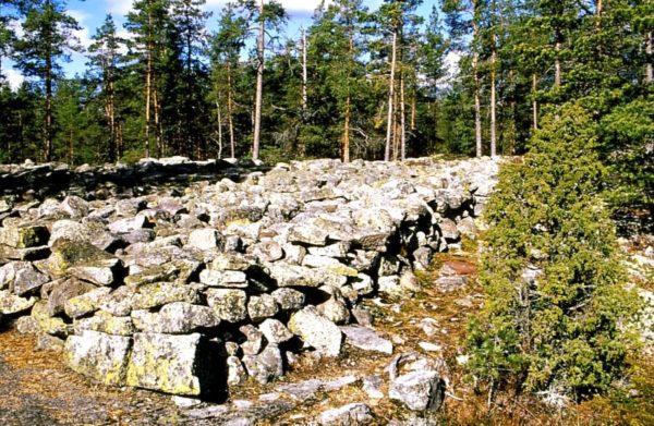 Некрополь Саммаллахденмяки одно из наиболее важных сооружений бронзовой эпохи в Финляндии