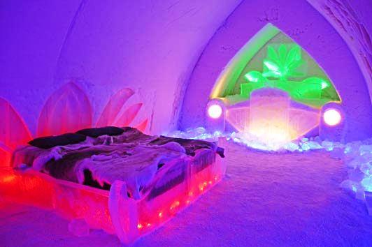Ночлег в ледяных комнатах— популярный вид экзотического отдыха среди многих европейских туристов