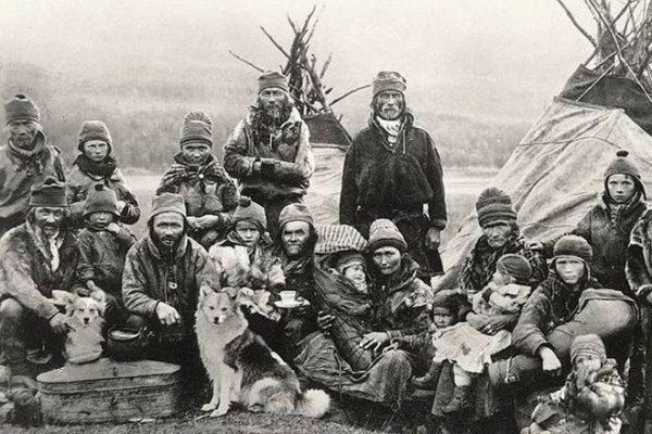 Саамы жили вольной полукочевой жизнью оленеводов с незапамятных времен